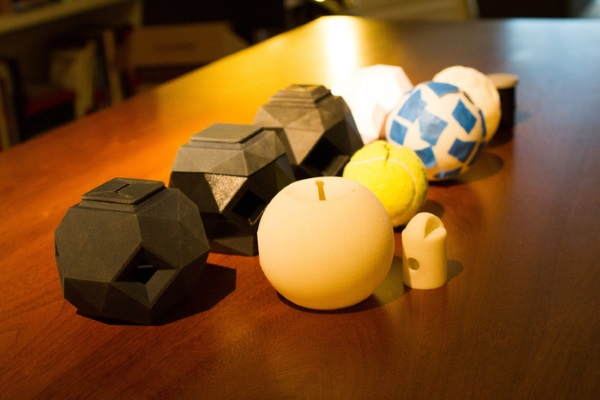飼い犬ドギー用の3D印刷でつくったおもちゃを自分で制作する