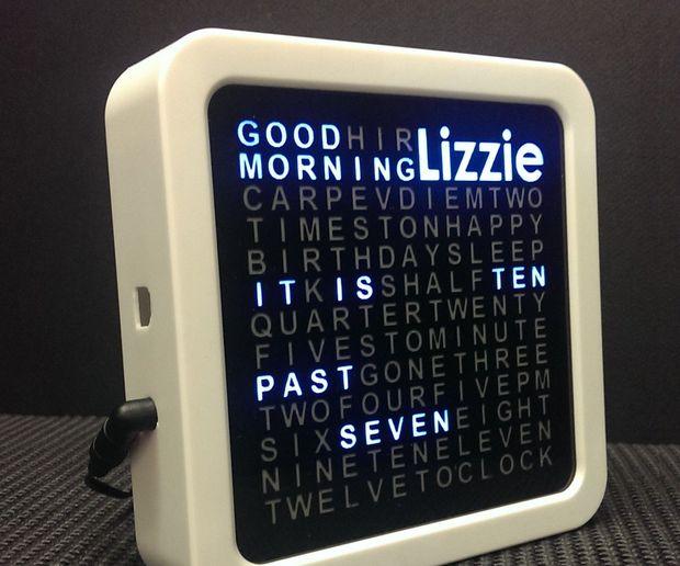 """3D印刷によるデザイン性に優れた""""ワードクロック""""を制作する"""