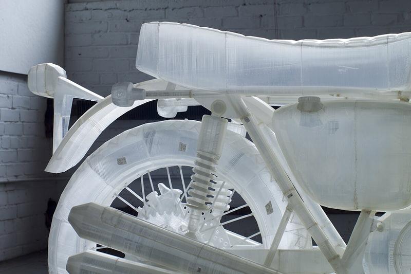 バイクマニアが、ホンダのバイクを透明で原寸大サイズにて3Dプリントしました
