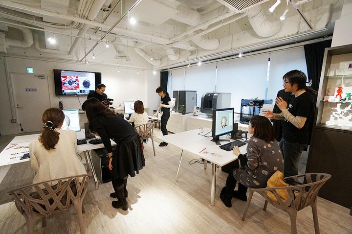 3Dプリンター見学、実演カフェ、展示場所