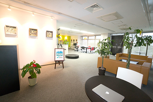 Share Tech Lounge 全体